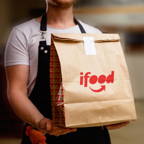 iFood auxilia restaurantes a se reinventarem por meio da tecnologia