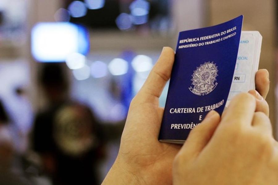 Brasil cria 32 mil vagas de empregos em maio - Abrasel